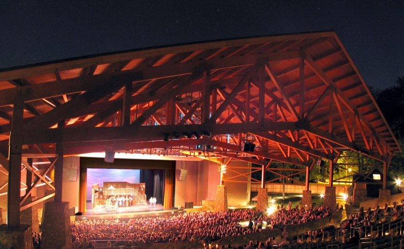 Iroquois-Amphitheater-Night-Shot-Audience-and-Play